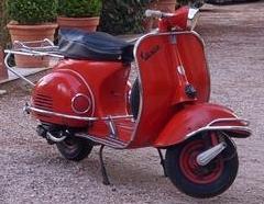 Vespa rouge 15