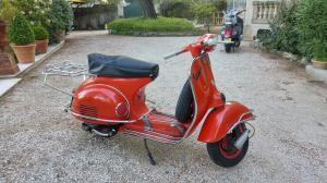 Vespa rouge 4